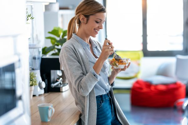 Αυτές είναι οι συνήθειες που αυξάνουν το βάρος σας   imommy.gr