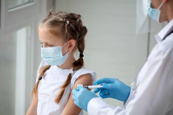 Τζανάκης – Οι νοσηλείες λόγω κορωνοϊού στα παιδιά περιμένουμε να αυξηθούν | imommy.gr