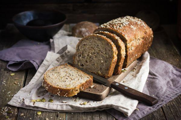 Ζυμώνουμε πολύσπορο ψωμί   imommy.gr