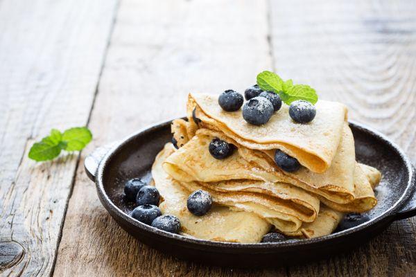 Γλυκές κρέπες με γέμιση γιαουρτιού | imommy.gr