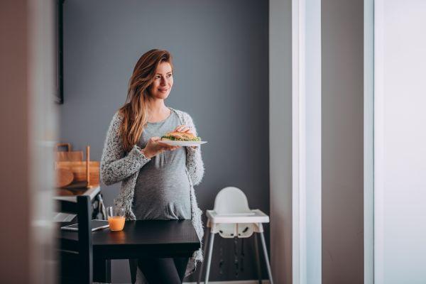 Τι να προσέξετε στην διατροφή σας όσο είστε έγκυος | imommy.gr