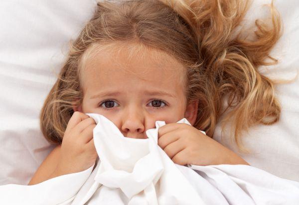 Πώς θα βοηθήσετε το παιδί να ξεπεράσει τους φόβους του | imommy.gr