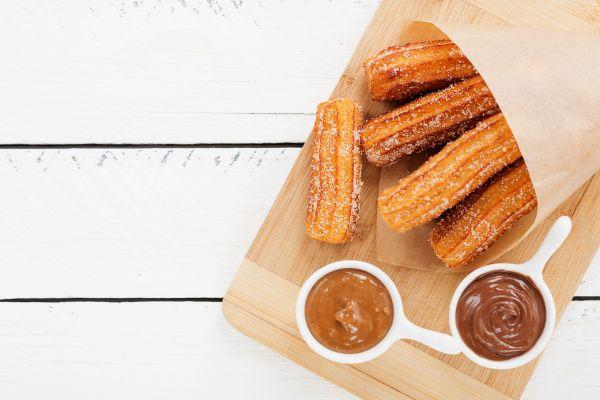 Ισπανικά churros με σοκολάτα   imommy.gr